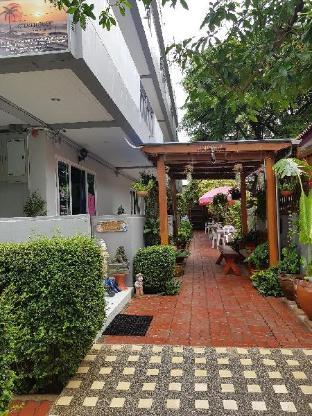 Chanit Aum Guesthouse ชนิส อุ้ม เกสต์เฮาส์