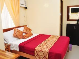 picture 5 of Emelina Pension