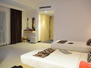 โรงแรมมูน จูลี (Moon Julie Hotel)