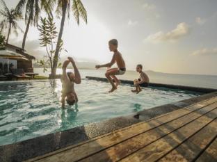 /cs-cz/escape-beach-resort/hotel/samui-th.html?asq=5VS4rPxIcpCoBEKGzfKvtE3U12NCtIguGg1udxEzJ7kOSPYLQQYTzcQfeD1KNCujr3t7Q7hS497X80YbIgLBRJwRwxc6mmrXcYNM8lsQlbU%3d