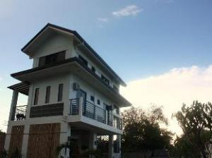 Villa Corazon Resort