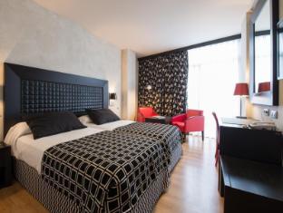 /sv-se/salles-hotel-malaga-centro/hotel/malaga-es.html?asq=vrkGgIUsL%2bbahMd1T3QaFc8vtOD6pz9C2Mlrix6aGww%3d