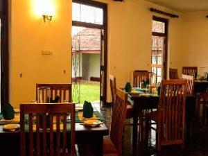 River Side Bentota Hotel