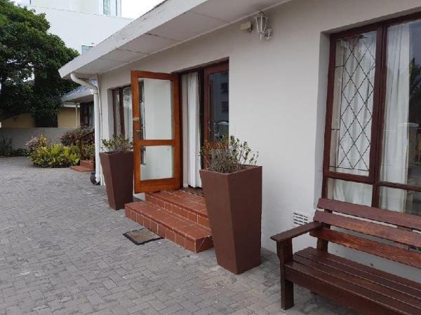 Pollok Beach Guest Lodge Port Elizabeth