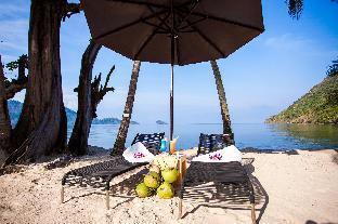 %name Sandy Villa Beachfront เกาะช้าง