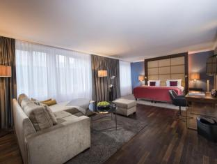 Hotel Palace Berlin Berliini - Sviitti