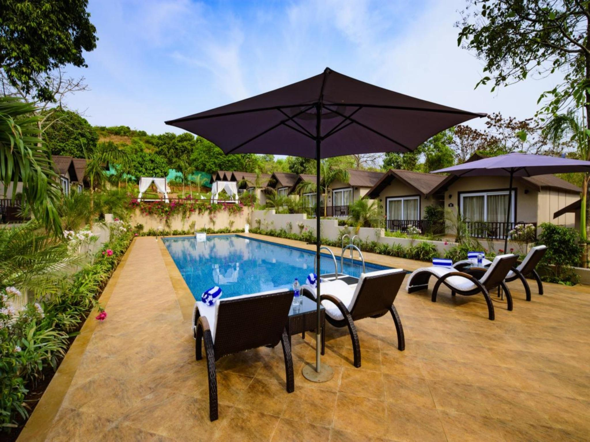 Stone Wood Resort And Spa