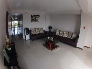 picture 3 of GraceHill EconoSuites Hotel