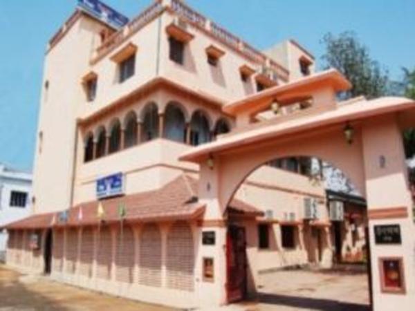 Hotel Utsav Santiniketan India