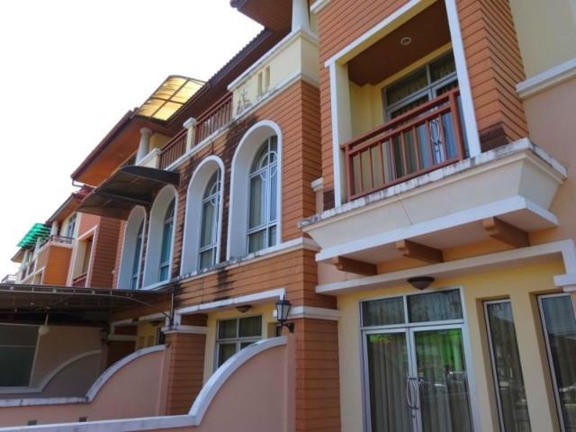 โรงแรมบ้านศักดิเดช – Baan Sakdidet Hotel