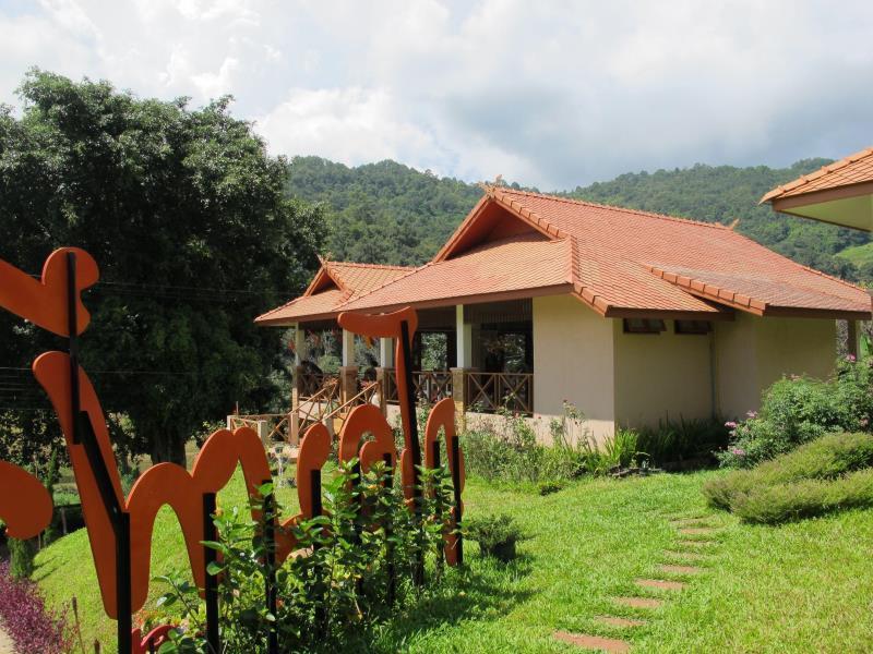 Phuoobfa Resort ภูโอบฟ้า รีสอร์ท