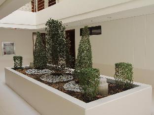 picture 5 of Crown Regency Courtyard Hotel