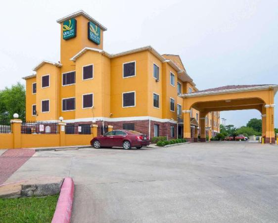 Quality Inn and Suites Hwy 290 - Brookhollow Houston
