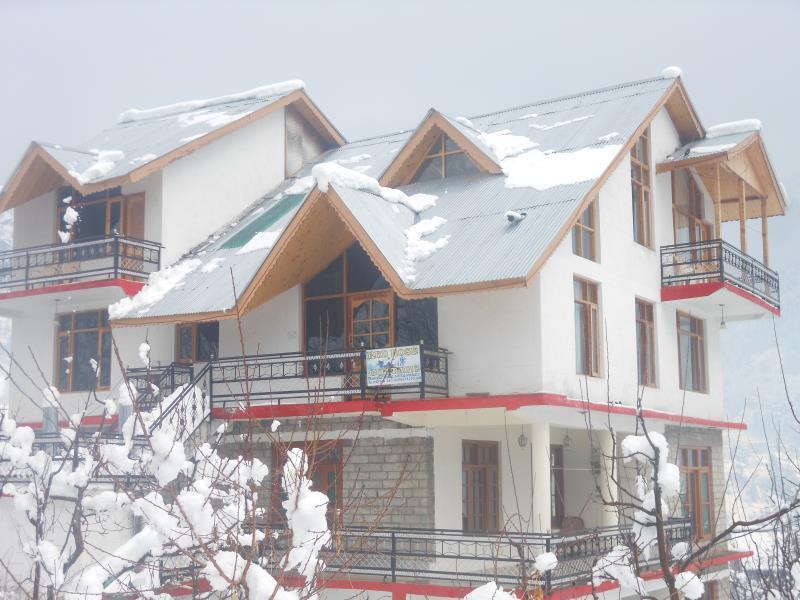 Red Rose Cottages Manali