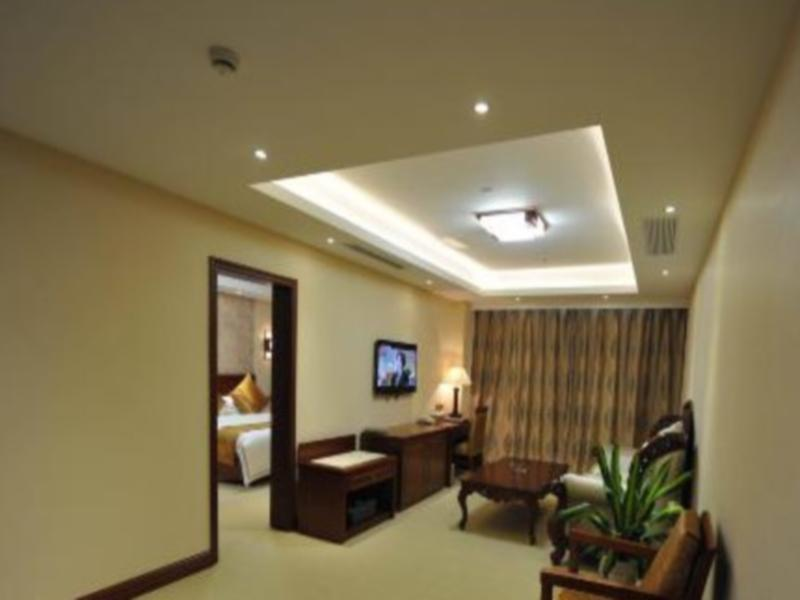 Yancheng Oriental Xuan Wu Hotel