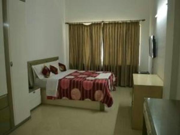 Honey Hospitality Service Apartment-Magarpatta Pune