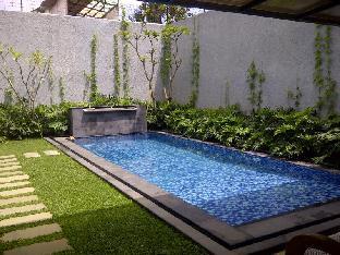 Paras Yogya Pool Villa Pasteur