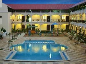 Hotel Kumararraja Palace