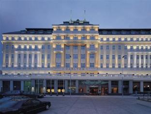 /zh-hk/radisson-blu-carlton-hotel-bratislava/hotel/bratislava-sk.html?asq=5VS4rPxIcpCoBEKGzfKvtE3U12NCtIguGg1udxEzJ7nKoSXSzqDre7DZrlmrznfMA1S2ZMphj6F1PaYRbYph8ZwRwxc6mmrXcYNM8lsQlbU%3d