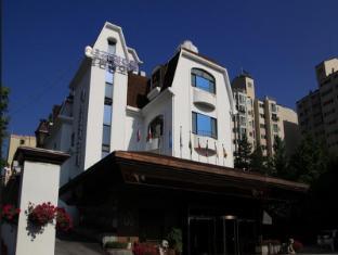 Donghwa Kims Hotel
