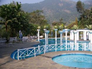 Riverside Spring Resort Chitwan