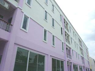 Phet Palace