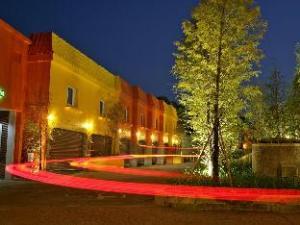 Yuan Motel