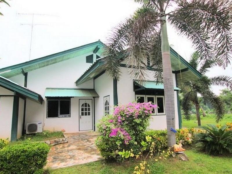 Kanthip Riverkwai Resort