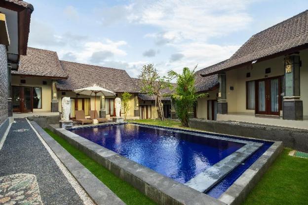 OYO 828 Lilis Cempaka Mas Guesthouse