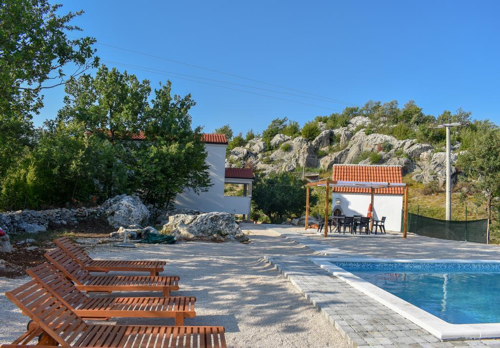 Bonaventura   Countryside Villa Near Split