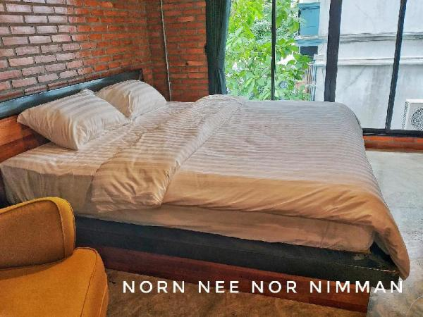 Norn Nee Nor Hostel & Cafe King Size 1 Chiang Mai