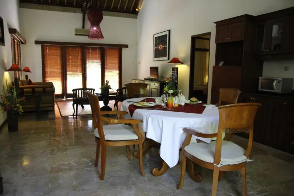 158 2BDR Suite With Private Pool At Sukawati