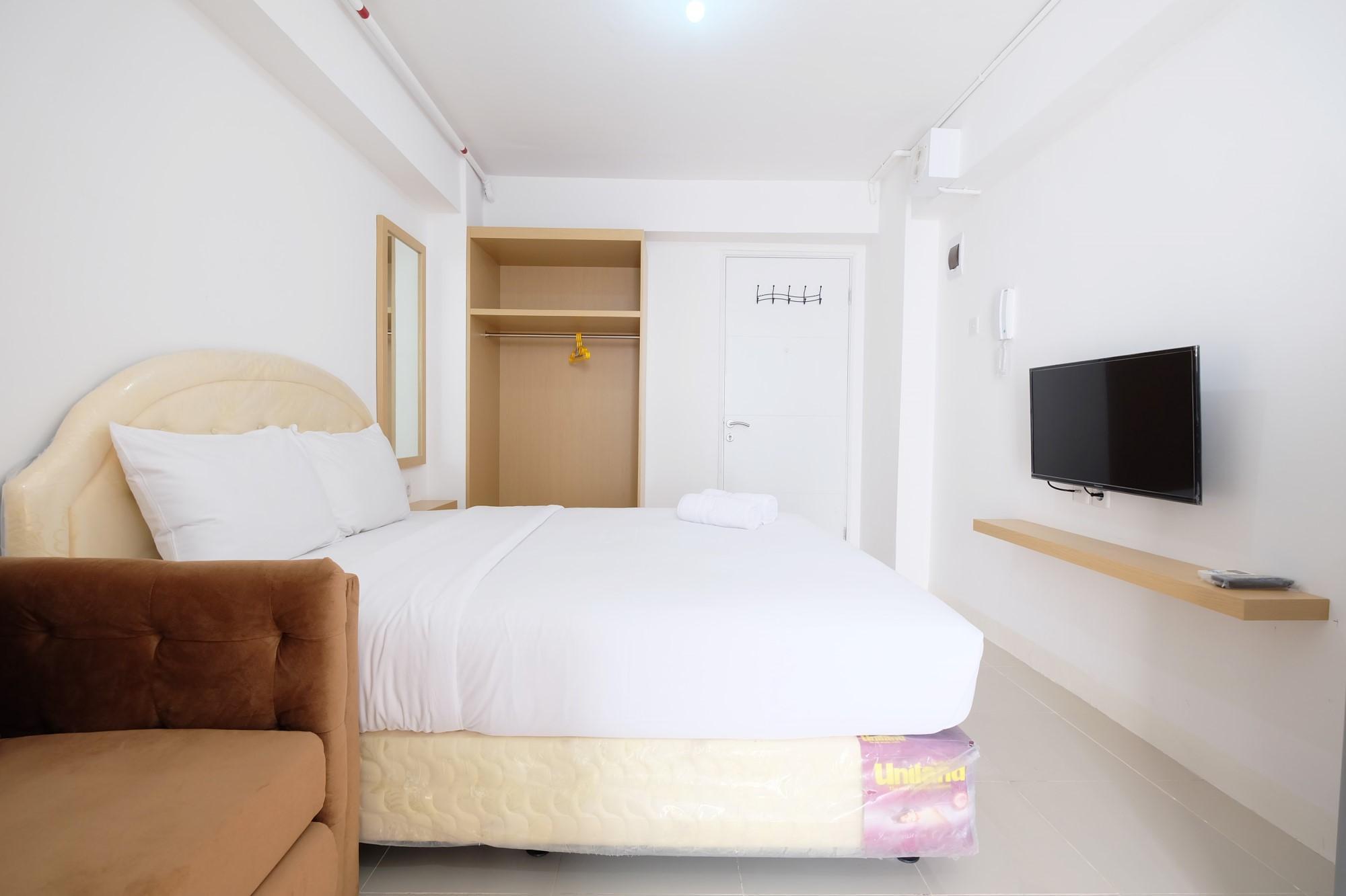 Studio With Sofa Bed @ Bassura City Apt   Travelio