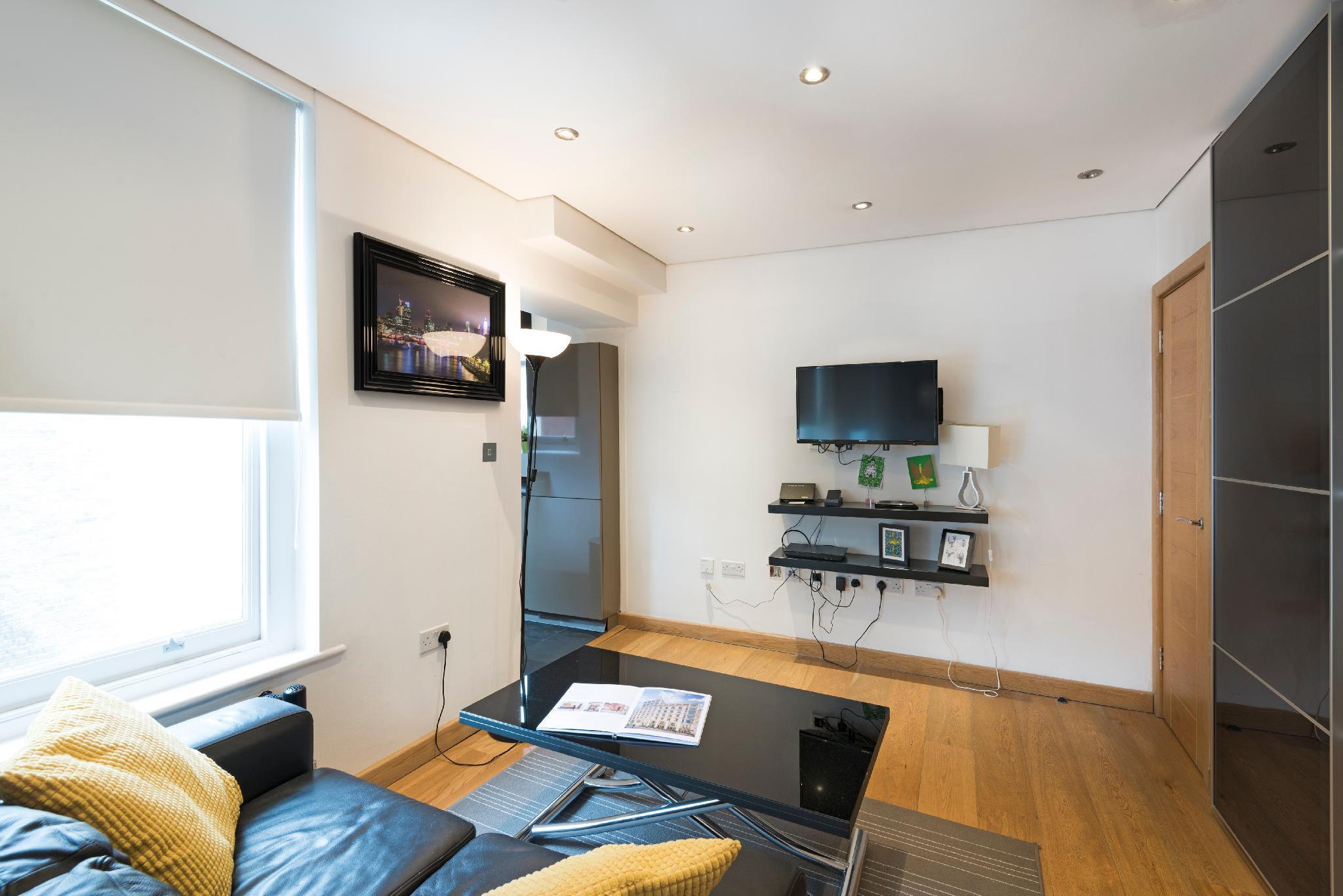 Price Excel Apartments St.Paul's