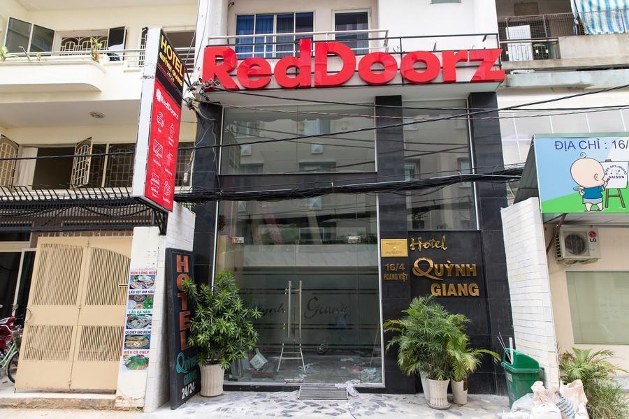 RedDoorz Near HIECC Tan Binh