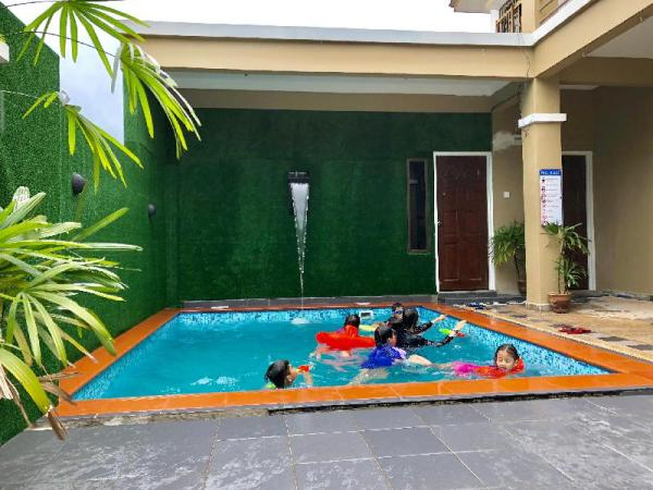 Suria Homestay 5 Bedroom House with Private Pool Johor Bahru