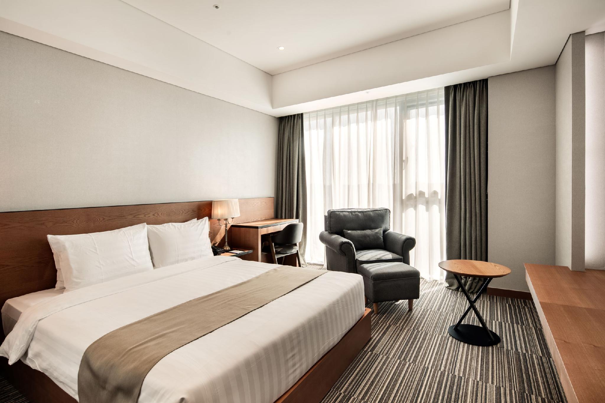 Golden Tulip Incheon Airport Hotel