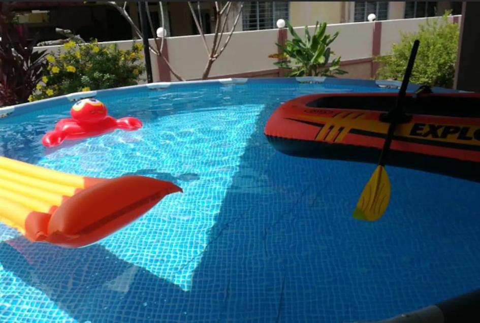 BiggestVilla In Lumut Manjung 250inchCinema Pool