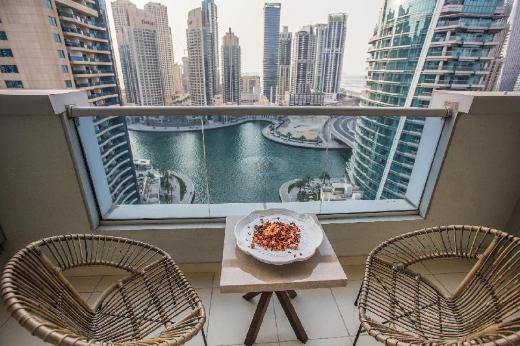 Deluxe Dubai Marina Sea View Apartment, Pool&View
