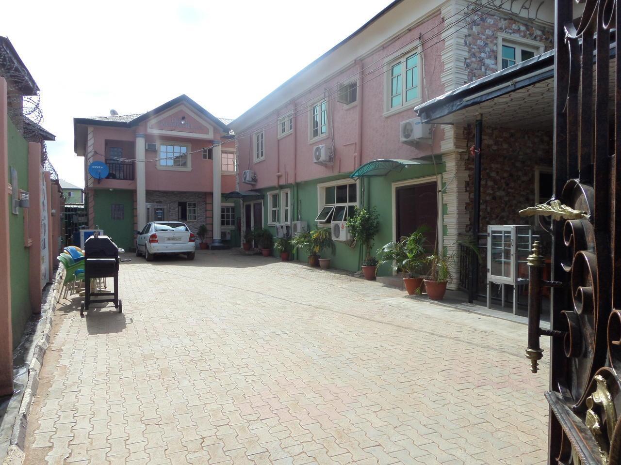 Royal Infinity International Hotel