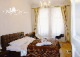 Прага - Family suite with 1 private + 2 shared bathrooms