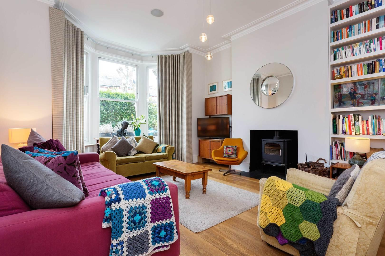 Queen's Park Family House Reviews