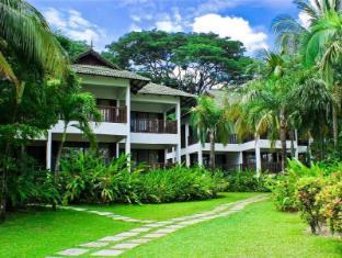 Mines Wellness Hotel Kuala Lumpur - Path to Chalet