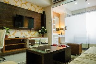 Luxurious 1BR At Dago Suites Apartment By Travelio Bandung