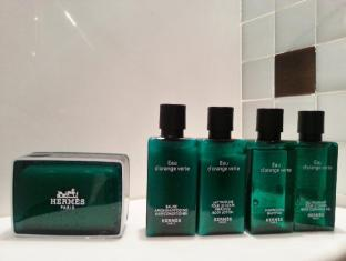 Pousada De Sao Tiago Hotel Macau - Hermes Bath amenities