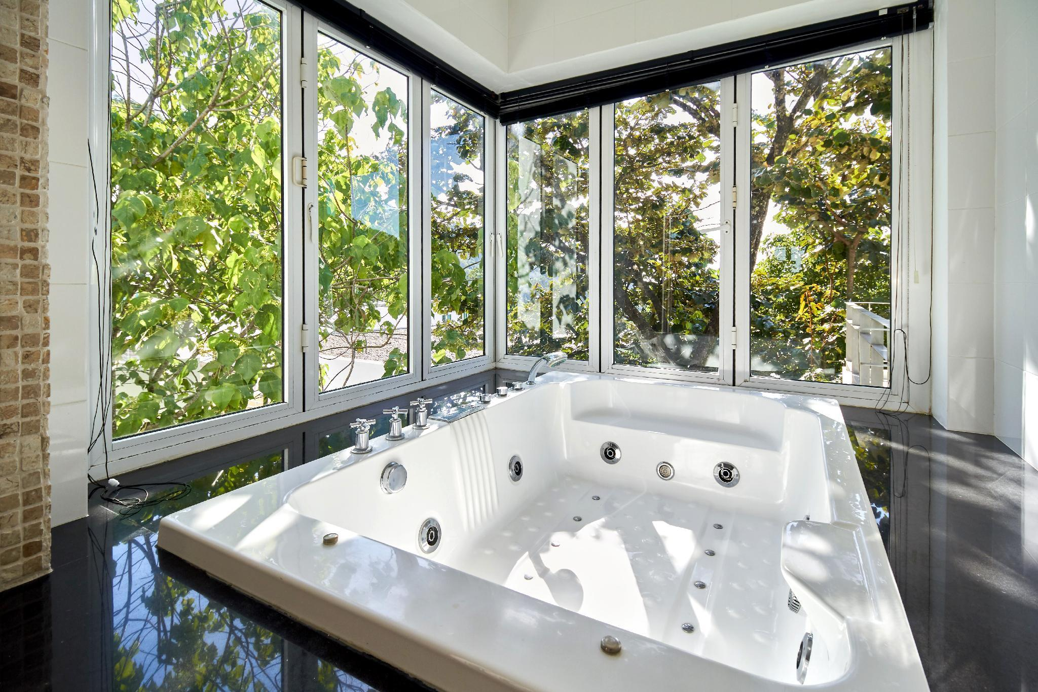 Villa Ginborn   5 Bedroom Poolvilla With Seaview