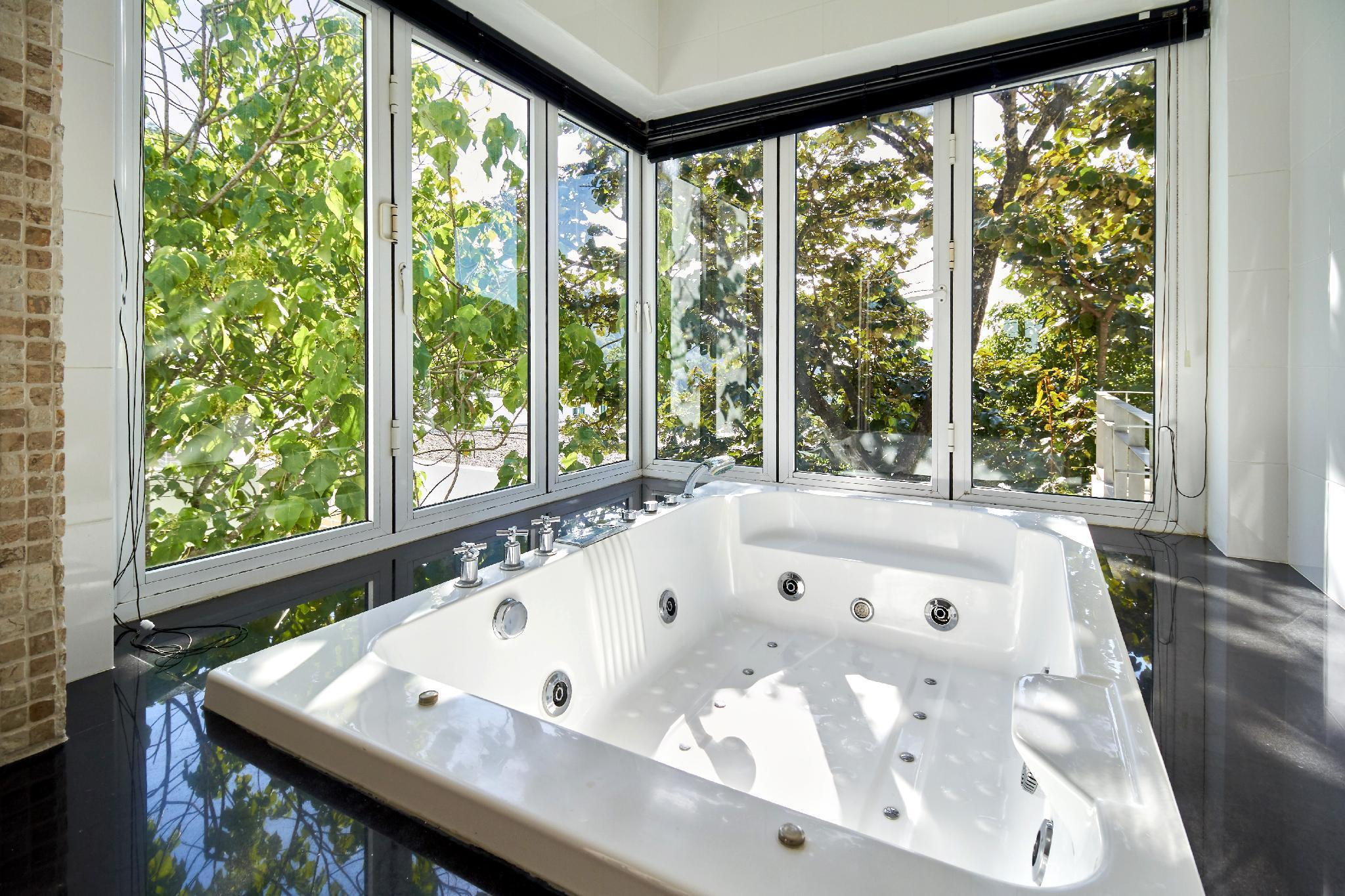 Villa Ginborn - 5 bedroom poolvilla with seaview Villa Ginborn - 5 bedroom poolvilla with seaview