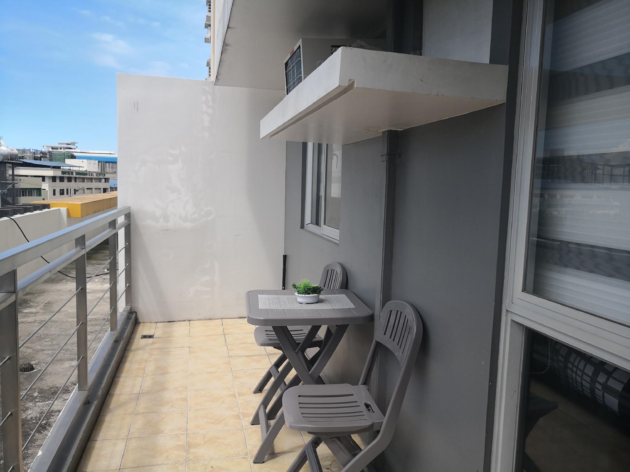 Centrio Tower 1 BEDROOM With Balcony 1 6