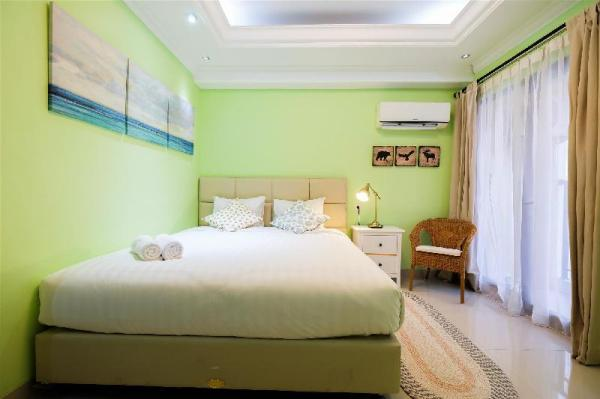 Studio Room Atria Residence Serpong By Travelio Tangerang