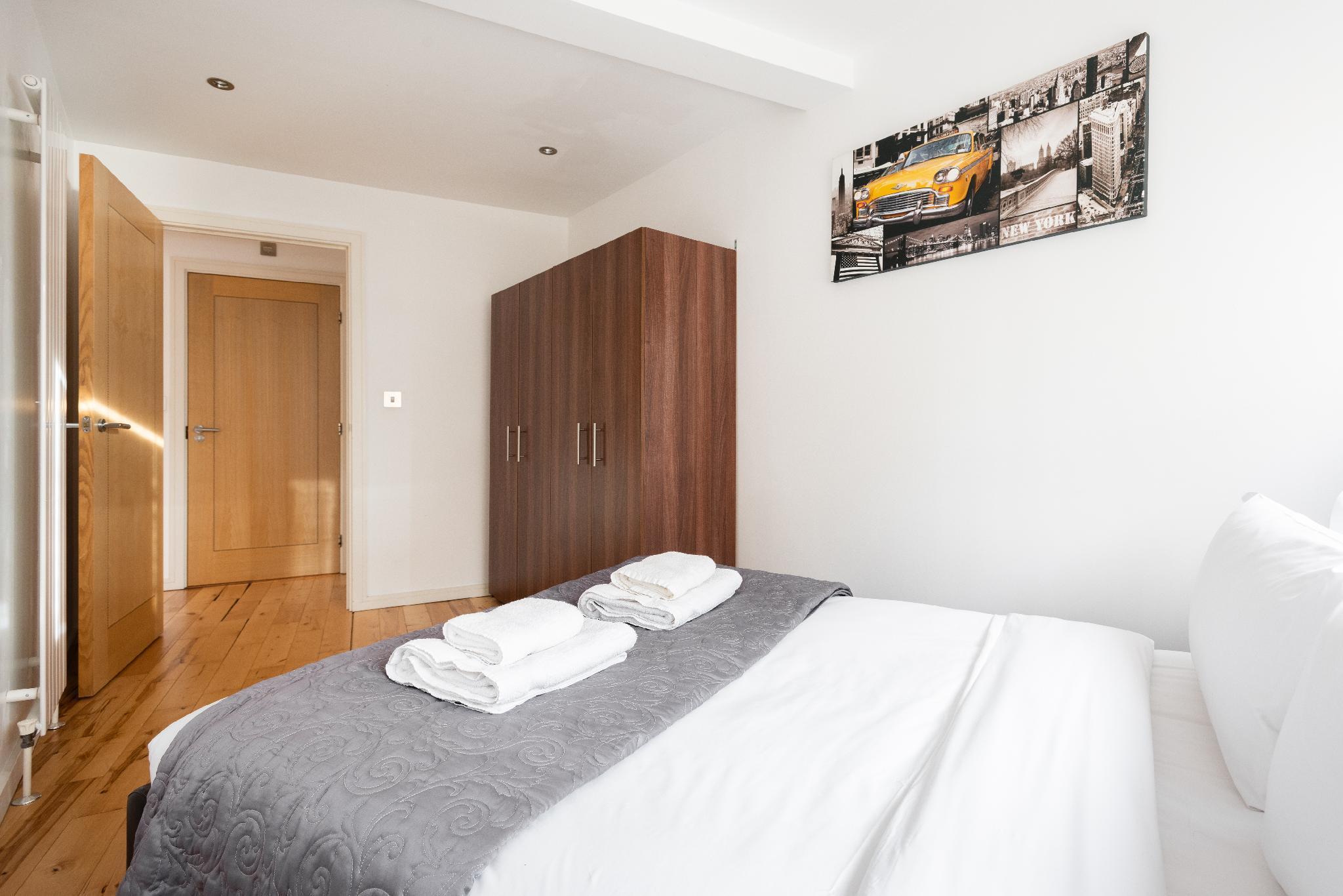 Platinum Apartments Near  London Bridge